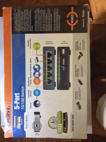 Cisco Small Business Unmanaged Switch SD205 - switch - 5 por
