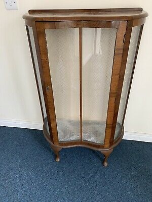 VINTAGE DECO STYLE 1930s GLASS FRONTED WOODEN DISPLAY CABINET WITHOUT KEY