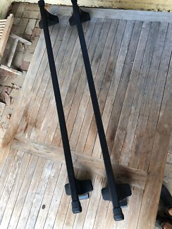 Roof racks - Thule brand -  132 cm in length. Excellent condition