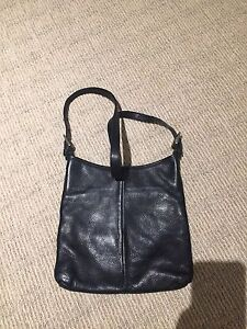Roots purse (leather)