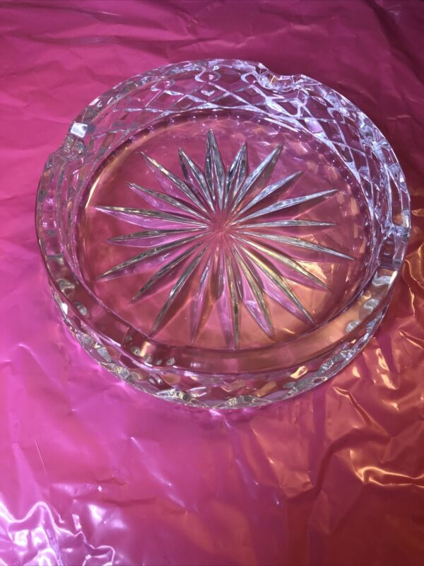 "Vintage Pressed Glass Ashtray Round 6.5"""