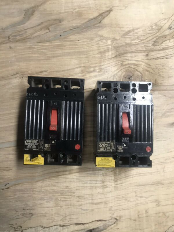 (2) General Electric GE THED136030 30A/600V Thermal Magnetic Circuit Breakers