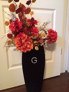 G Vase With Flowers
