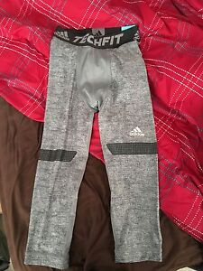 Men's 3/4 adidas tights like Nike size small new with tags