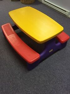 Little tikes buy sell items tickets or tech in - Table a picnic a vendre ...
