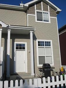 West end HAMPTONS TOWNHOME!! Rent reduced!!