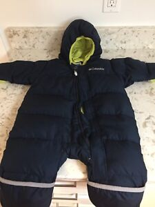 Columbia baby snow suit size 12 months.