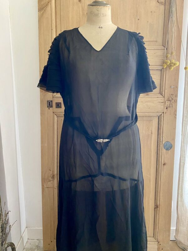 Années Folles French BLACK belted SILK DRESS c1950