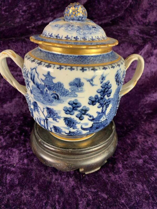 Chinese Export Porcelain Nanking Covered Sugar- c1780