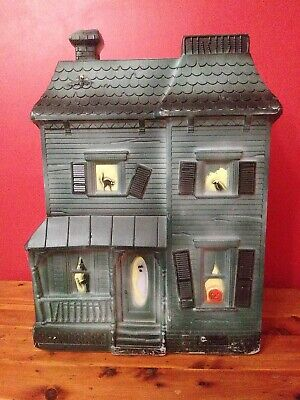Vintage 1995 Don Featherstone Haunted House Plastic Blow Mold missing light