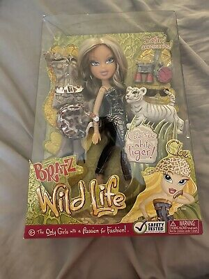 BRATZ Doll CLOE Wild Life New NIB White Tiger Extra Outfit & Safari Accessories