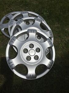 Saturn  Vue wheel covers
