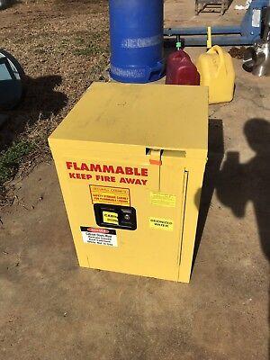 Saftey Storage Cabinet Flammable Liquids NFPA 30 OSHA Secure All Justrite 4 (Osha Flammable Storage)