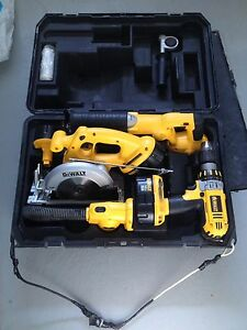Kit Dewalt XRP 18V  4 outils + chargeur