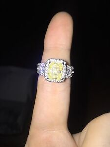 2.5ct Rare Yellow Canary Diamond w/ .75 pear cuts each side Cleveland Redland Area Preview