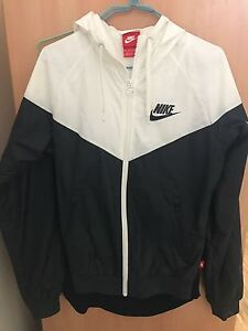 Nike Windrunner Black/white womens Birrong Bankstown Area Preview