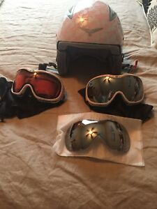 Ladies Helmet with 2 pairs of matching goggles