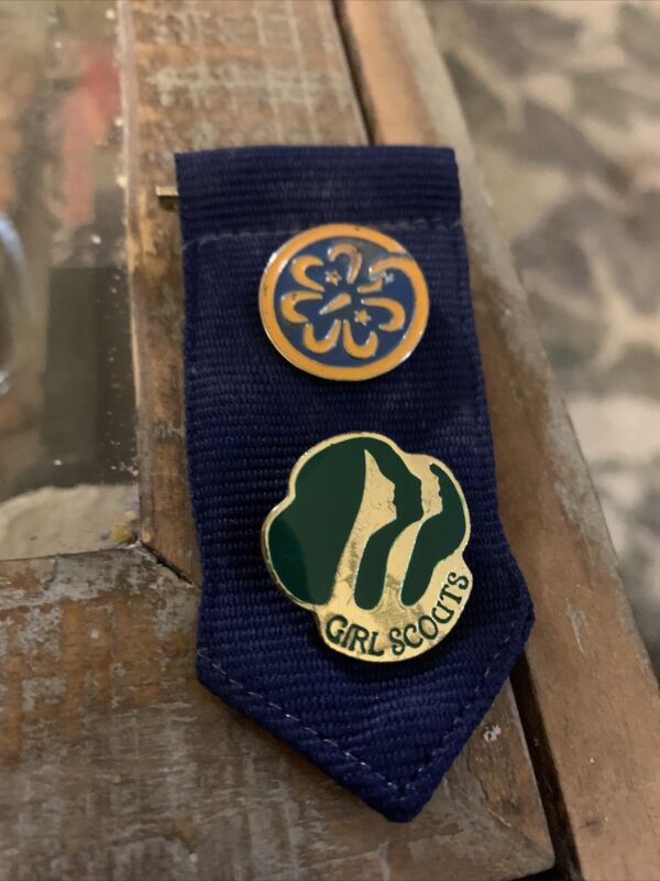 Girl Scout Dark Blue INSIGNIA TAB With World Trefoil Membership Pins Badges
