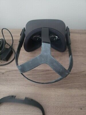 HEADSET & POWER ADAPTER ONLY | Oculus Quest All-In-One VR Gaming Headset 64 GB