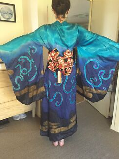 Incredible Traditional Japanese Style Kimono  Annerley Brisbane South West Preview