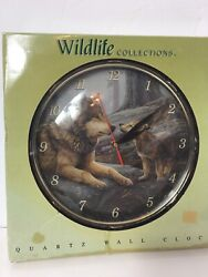 Wildlife Collection Wolfs  Battery Operated Quartz Wall Clock Old Model Working