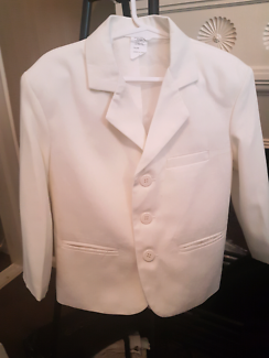 Boys special occasion  cream  4 piece suit size 4
