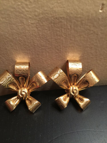 Vtg KIRKS FOLLY Rare Classic Holiday Bow Clip-On Earrings Signed Gold Plated