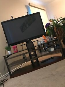 LG TV with Table!