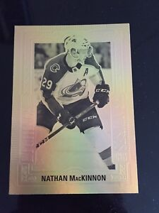 Gold etchings Nathan MacKinnon