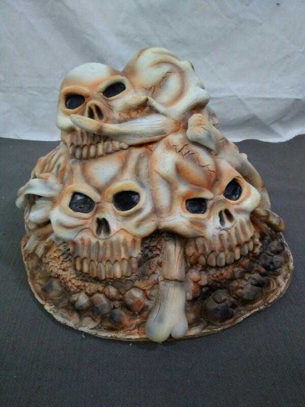 Halloween Skull Pile Prop Rubie