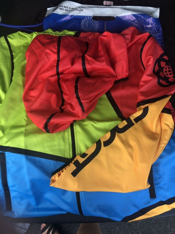 New! 2021 EPCOT Jacket Windbreaker Zip Up Long Sleeve MultiColor Disney Parks XL