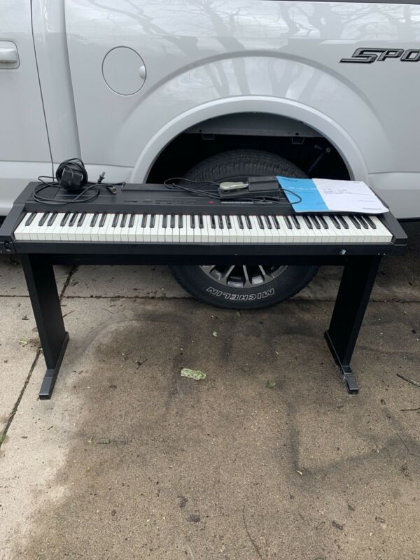 Vintage Roland ep-85 DIGITAL PIANO With Pedal And Manuals On Stand