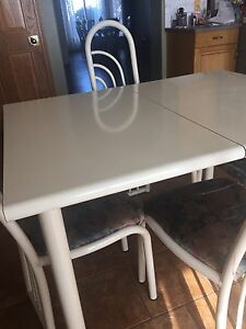 Kitchen table - Dinette