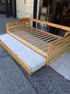 Trundle Bed - single x2