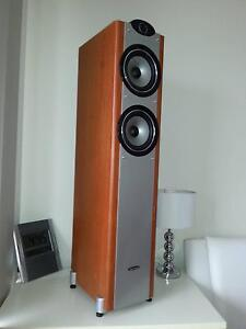 Tower speakers 2 *high quality* available $100 each or both $180 Penrith Penrith Area Preview