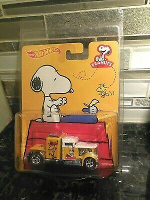 Hot Wheels CONVOY CUSTOM Yellow SEMI w/RR Real Rubber Tires SNOOPY Peanuts