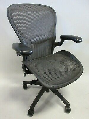 Herman Miller Aeron Chair - Size C Large In Graphitegrey Excellent Condition