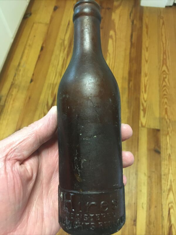VINTAGE AMBER GLASS EMBOSSED HIRES ROOT BEER BOTTLE Patent Applied For