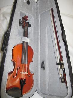 Enrico Student Extra - 1/8 size Violin and carry case