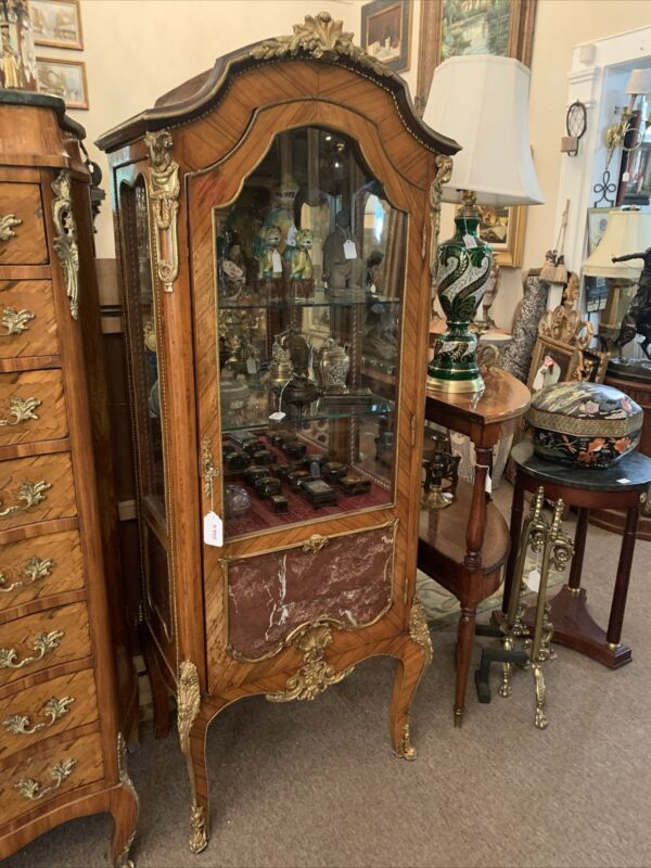 French Reproduction Curio Cabinet Vitrine With Beautiful Ormolu Mounts