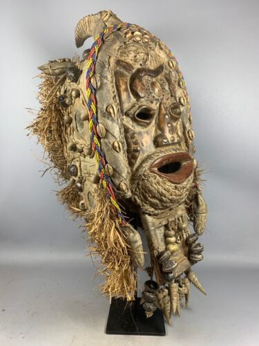 210104 - Rare Antique tribal used Chikunga Chokwe mask - Congo