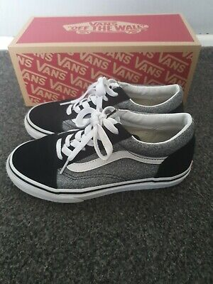 Boys Vans Old Skool Junior Size 2 Black Grey
