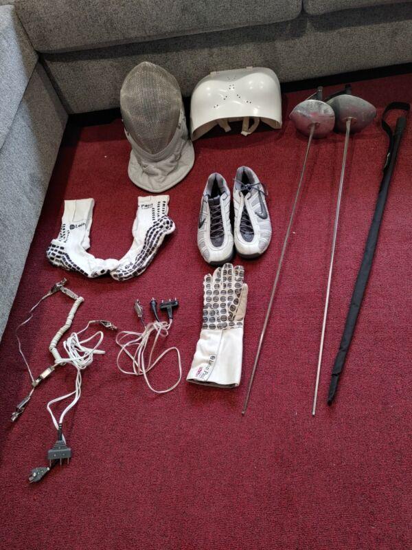 Fencing gear set