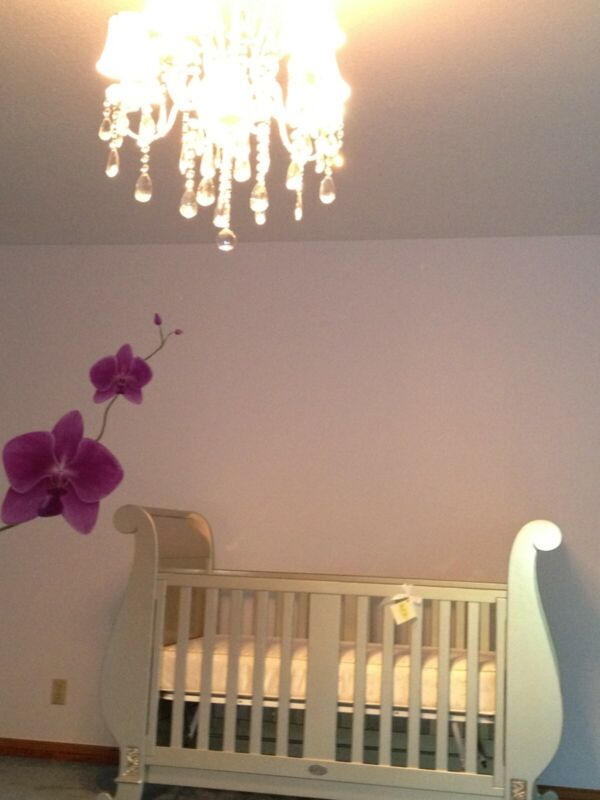 EUC: Bratt Decor Luxury: Chelsea Sleigh Crib, Mattress, Toddler Bed kit + cradle