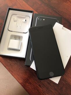 Apple iPhone 7 - 128GB - Jet Black-Great conditions-BOX,Case-READ