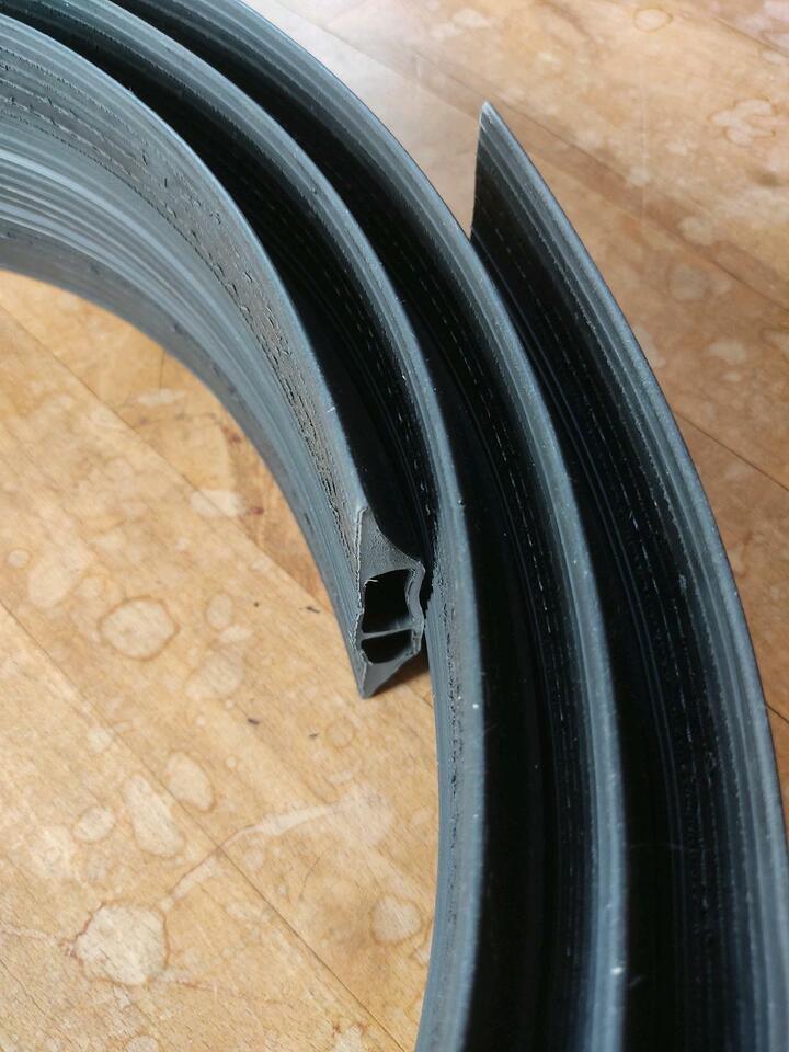 2x 4,5m Kabelschutz cable protection Kabelkanal vulcascot vus-011 in Bonn
