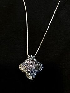 Sparkly medium length necklace