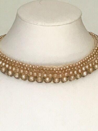 Vintage pearl collar