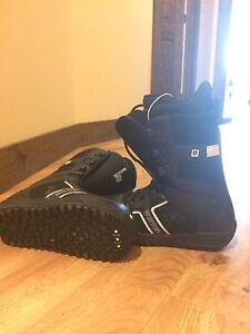 Burton snowboard boots size us-9