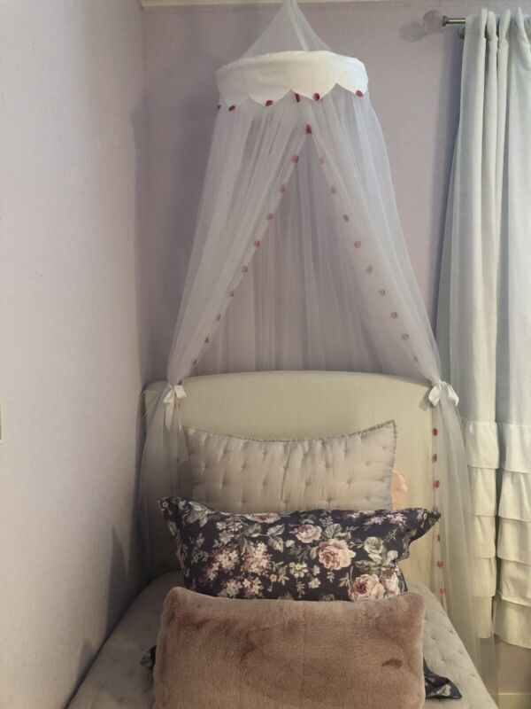 POTTERY BARN KIDS Pink Pom Pom Canopy - White Tulle - EXCELLENT CONDITION